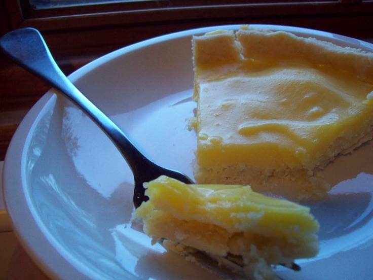 My Primal Adventures: Lemon Tart  Made this last night - delicious! Seriously cannot tell it apart from less healthy versions.