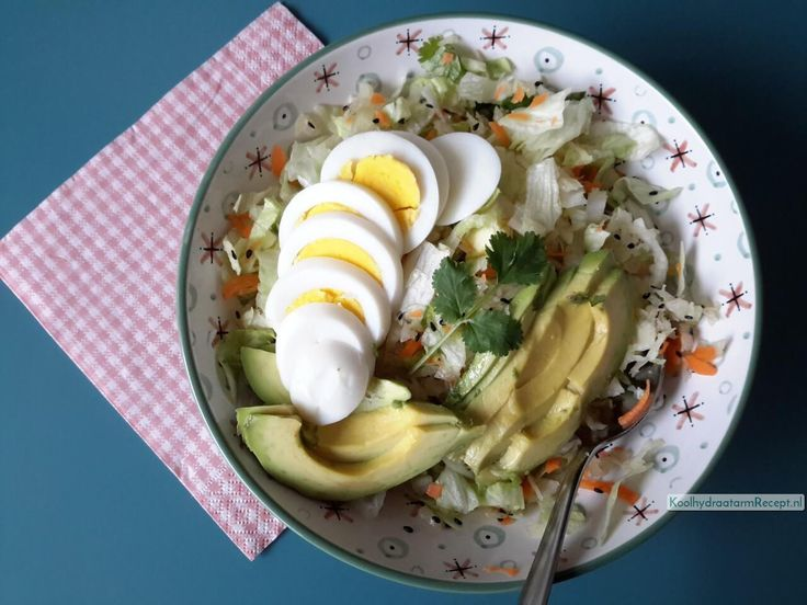 Weleens last met je stoelgang? Lees dan vooral even door! Vandaag heb ik een frisse zuurkoolsalade voor jullie, die je darmen helpt.