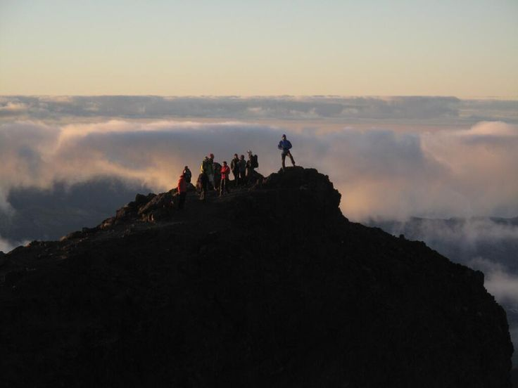 Sunrise at Piton des Neiges - Reunion Island (twitted by ClairGuedon)