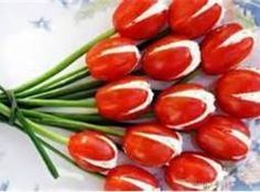 Tomato Tulips - So freaking cute. I would probably change the stuffing to something without egg and use for a picnic!