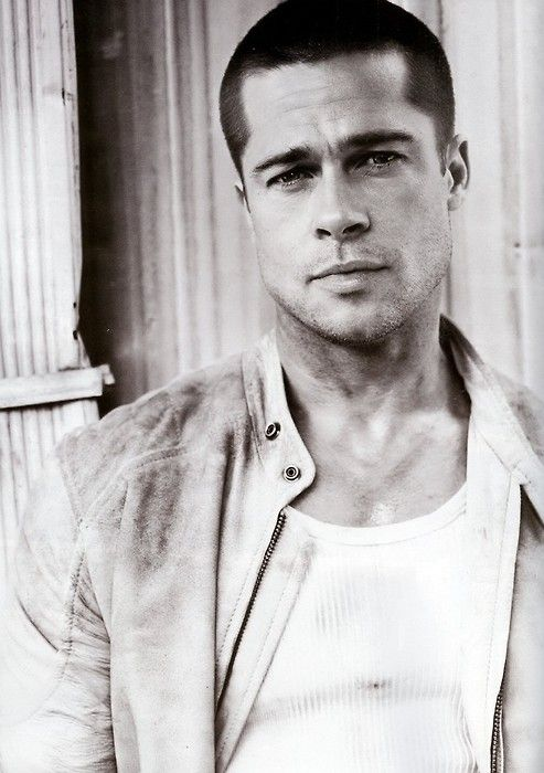 Brad Pitt. YES! I like Brad Pitt~luv his acting and films he's in. Remember him from like ages ago :-) ❤️