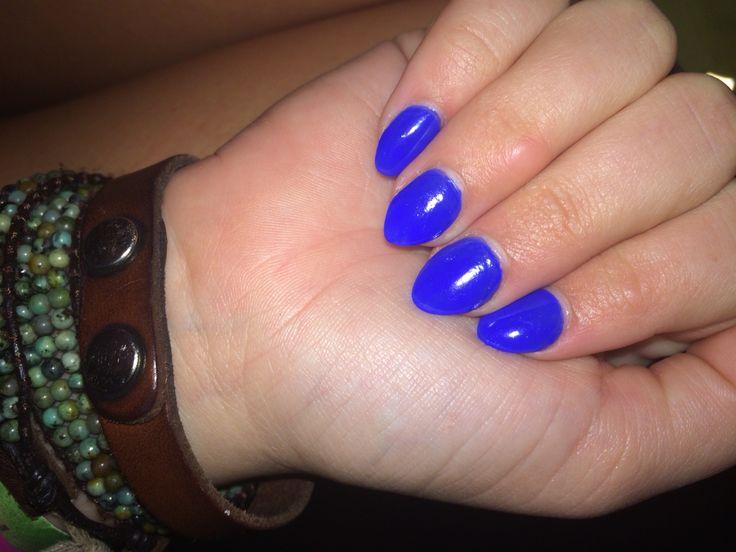 Short stilettos in neon blue