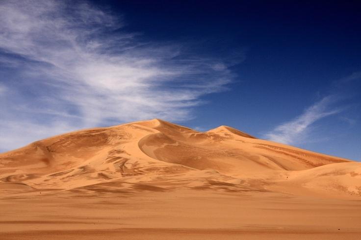 Djanet, south of algeria. Gigantic Dunes.
