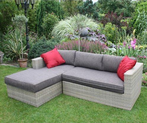 http://www.tuinmeubel.nl/goedkope-loungesets/loungebank-evita  Deze prachtige loungeset past ideaal in uw tuin. De loungeset bestaat uit twee losse banken. Een bank heeft een volledige rugleuning, de andere heeft dit niet en is daarom ideaal om op te liggen. De loungeset wordt geleverd inclusief bijbehorende kussens (exclusief rode kussens).  #Loungeset #Loungesets #Tuintrends #Tuin #Tuinieren #Tuinmeubel #Tuinmeubels #Tuinmeubelen