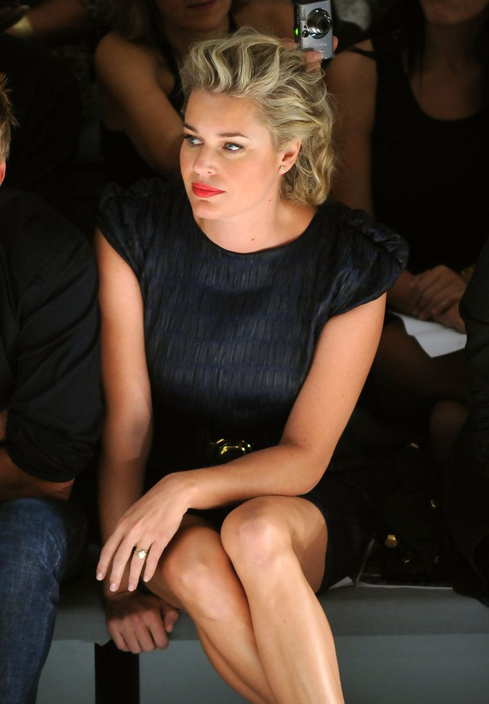 Luxurious glitter and glamour Rebecca Romijn ...