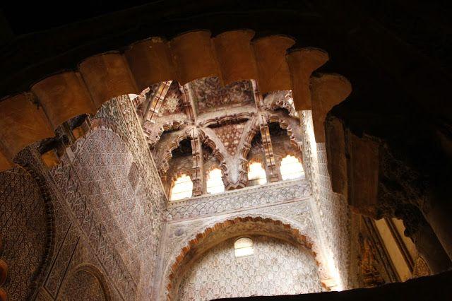 La Capilla Real de Enrique II,el bastardo, que ordeno levantar para enterrar a su padre Alfonso XI,y a su abuelo Fernando IV el emplazado,cuyos cuerpos, en tiempo de Felipe V ,serian trasladados a la iglesia de san Hipólito