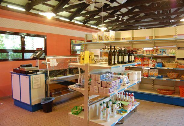 il minimarket. con prodotti del territorio