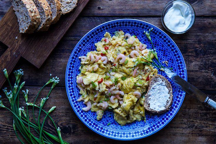 Eggerøre med reker – Aichas Mat