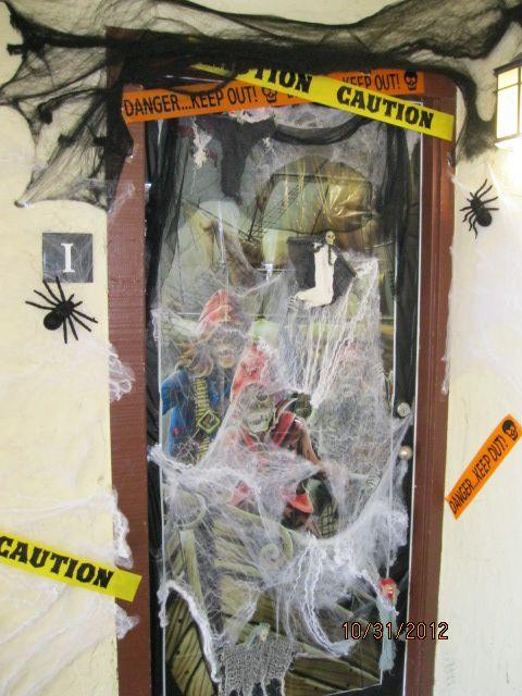 Halloween Door Decorating Contest Winners!  MyMcKinley  ~ 024145_Halloween Door Contest Winners