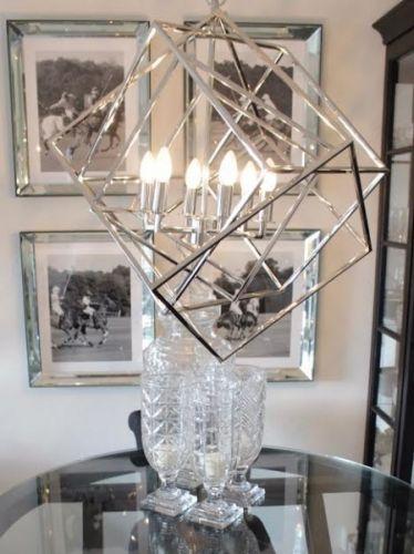 Stor, flott lysekrone fra Eichholtz i metall med nikkel overflate.Mål…