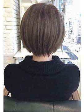 ショートカットが得意な美容師★メルトカラーの小顔ショートヘア