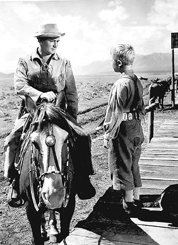 SHANE (1953) - Alan Ladd - Jean Arthur - Van Heflin - Brandon De Wilde - Jack Palance - Ben Johnson - Edgar Buchanan – Emile Meyer – Elisha Cook Jr. – Douglas Spencer – John Dierkes – Ellen Corby - Based on the novel by Jack Schaefer – Screenplay by A. B. Guthrie Jr. - Produced & Directed by George Stevens - Paramount - Publicity Still.