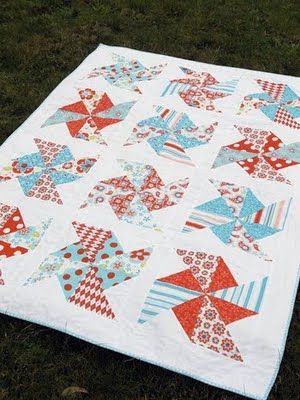 I love this quilt! Pinwheels in the Park