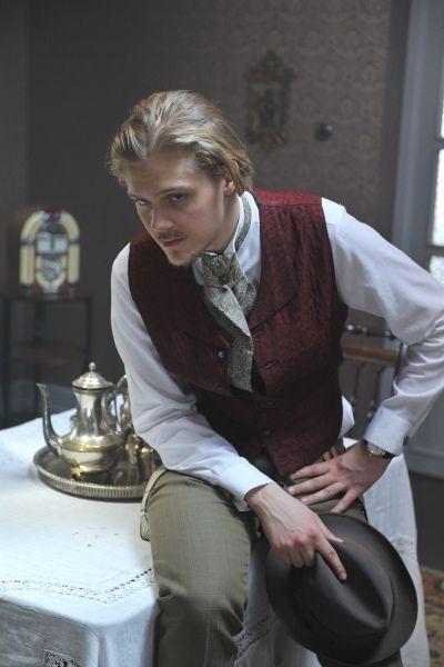 """Ponadczasowa """"Moralność pani Dulskiej"""". W rolę Zbyszka Dulskiego wcielił się Jakub Gierszał ( fot. Jan Bogacz)"""