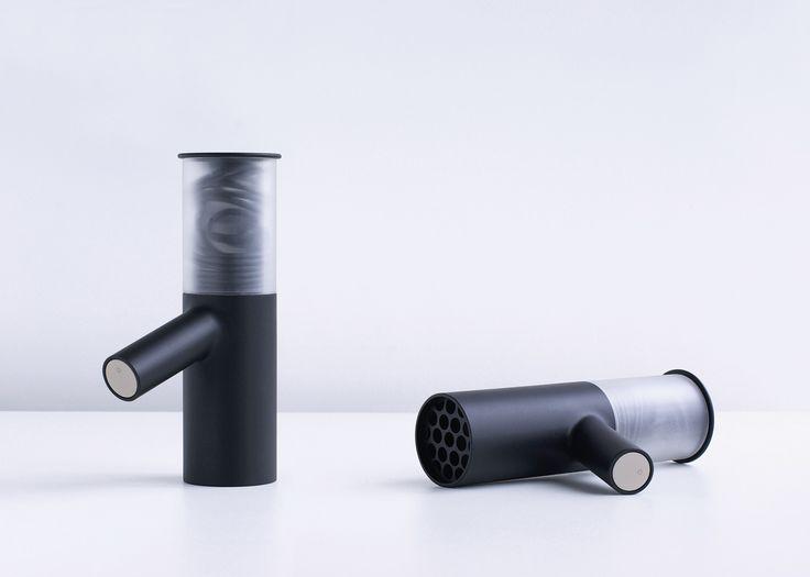 Un nuovo design per l'asciugacapelli http://www.differentdesign.it/design-per-lasciugacapelli/ Una rivisitazione moderna e funzionale dell'#asciugacapelli!