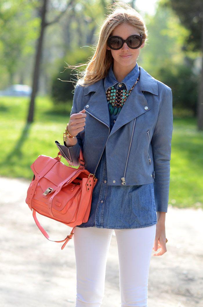Quiero una cartera de ese color y tamaño