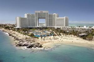 Mexico Yucatan Cancun  Absolute vijfsterren luxe en exclusief voor levensgenieters zo omschrijf je RIU Palace Peninsula. Dit hotel is befaamd vanwege de gedurfde architectuur en het avant-gardistische design. De...  EUR 1581.00  Meer informatie  #vakantie http://vakantienaar.eu - http://facebook.com/vakantienaar.eu - https://start.me/p/VRobeo/vakantie-pagina