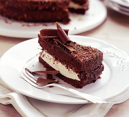 Gordon Ramsay serves up a rich and sumptuous, but not heavy, chocolate cake. See how to make it step by step.
