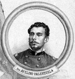 """Avelino Valenzuela (1851-1881) Estudió en la Academia Militar. Sirvió en la Armada como Guardiamarina durante 15 meses. 1879 ingresa al 3° de Línea. Participó en las Campañas de Antofagasta, Tacna y Lima. En el combate de Arica tenía el grado de Teniente. Muere en la Batalla de Chorrillos durante el asalto del Morro Solar. Fuente: """"El Album de la Gloria de Chile"""" de B. V. Mackenna Pág. 395"""