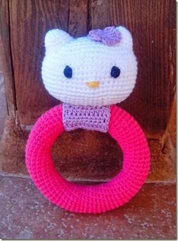 #haken, gratis patroon (Engels), baby, rammelaar, Hello Kitty, kraamcadeau, haakpatroon, #crochet, free pattern, baby rattle, baby shower