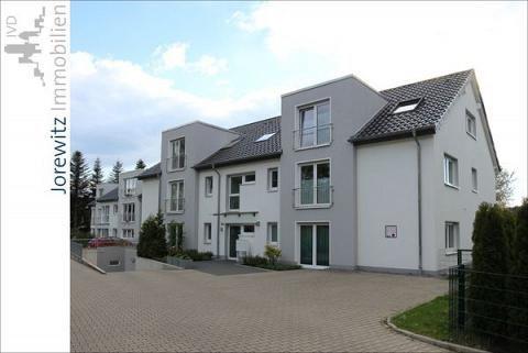 KJI 5382  Bielefeld-Schildesche: Tolle und moderne 3 Zimmer-Wohnung mit Balkon (Nähe Stadtbahn)   Wohnfläche: ca. 76 qm   Zimmer: 3   Kaltmiete: 608,00 Euro + NK   Ihre Anfrage senden Sie bitte an Frau Maria Hübert unter: mh@jorewitz-immobilien.de