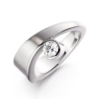 Paul Spurgeon // Single stone diamond ring // Contemporary Engagement Rings and Diamond Jewellery