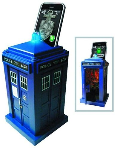 Doctor Who Tardis Safe uses your smartphone to unlock...It always amazes me when I see such awesome Doctor Who stuff!
