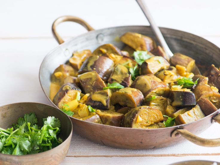 Seared Eggplant and Coconut Milk Curry | Quick and simple curry recipe with eggplant. This easy eggplant curry recipe is simmered in coconut milk.