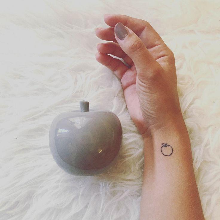 Saved Tattoo NYC Flosglitterworld-13 – Bethany Barry Wiens