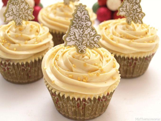 """¡Qué ganas tenía de hacer """"cupcakes de turrón""""!. En cuanto vi la """"crema de turrón"""" (de Antiu Xixona) en el Mercadona, no pude resistirme y compré 2 botes. En lo primero que pensé, es en hacer unos cup"""