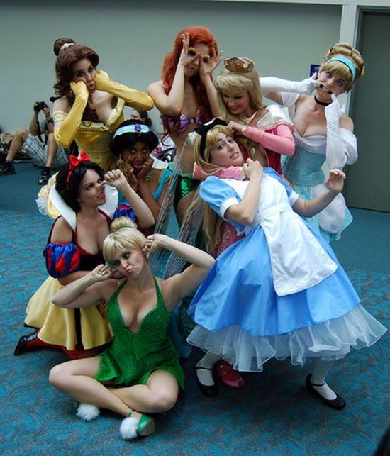 Misbehaving Disney princesses, excellent photo for a hen party.  Pair it up with a trip to Paris too! http://www.gohen.com/activities/disneyland.asp
