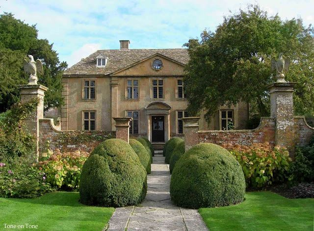English 17th century manor house - Tintinhull, Somerset - see more pics at the blog link <3