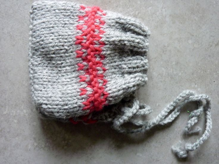 bonnet bébé tricoté main gris et fuchsia, taille naissance : Mode Bébé par mysweetbrittany