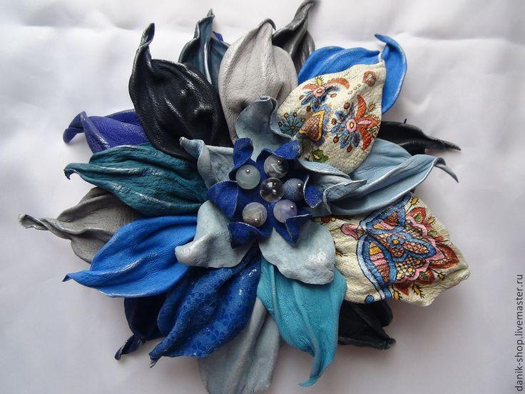 """Купить Уникальная брошь/заколка цветок из кожи """"Синий фольк"""" - синий, васильковый, голубой, русский стиль"""