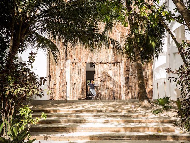 Uno de Pablo Escobar, el ex mansiones ha sido transformado en un hotel de lujo, donde puede permanecer por $515 por la noche