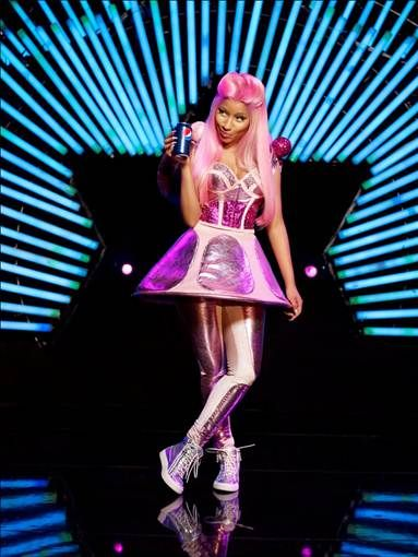 Nicki Minaj's outfit channels Judy Jetson for her new Pepsi ad while her face channels Jane Jetson.: Minaj Pepsi, Pepsi Ads, Futuristic Fashion, Nicki Minaj Outfits, The Face, Lve Nickiminaj, Africanamerican Celebrity, Celebrity Gossip, Pepsi Commercial