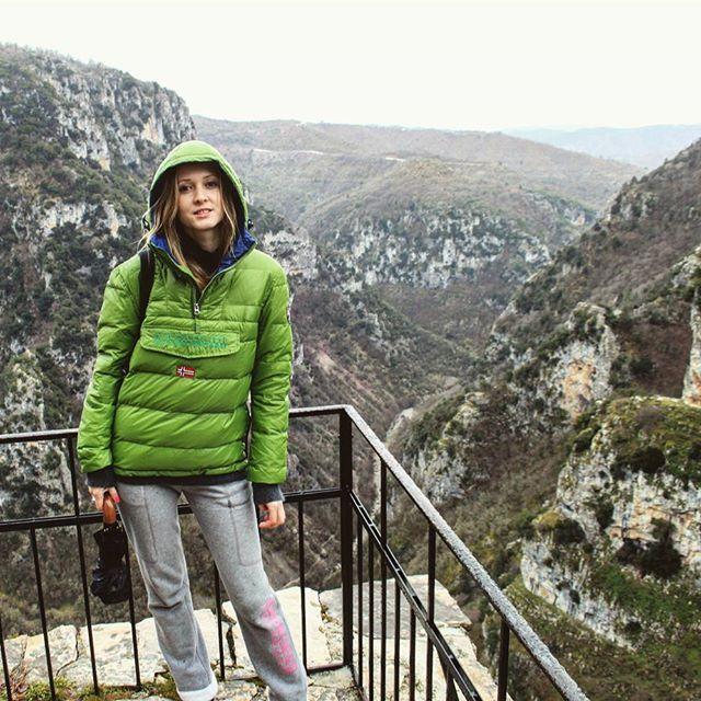 Vikos Gorce - biggest canyon in the world. Location - Greece ✌  #travel #discover #greece #adventure #wild #nature #beauty #landscape #panorama #vikos #canyon #greeklife #zagori #zagorochoria #mysteriousgreece #napapijri