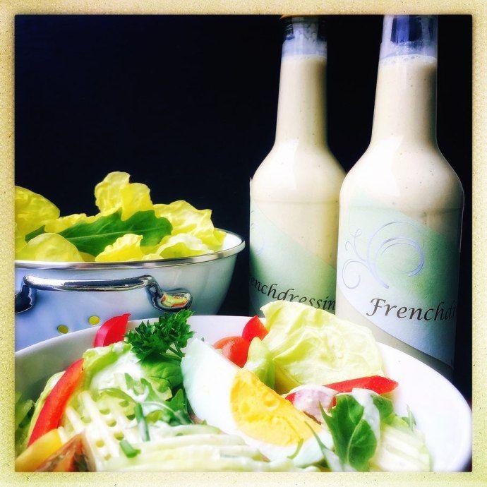Sauce · Salat · French · Frenchdressing · französisch · Grillzeit · hausgemacht Heute ist es soweit und wir lüften ein Geheimnis für euch. Ja genau, ihr habt recht gehört. Heute verraten wir euch unser Salatsaucen Rezept. Dieses Rezept haben wir vor mehr als 20 Jahren in unserer Ausbildung als Koch erlernt und es über+ Read More