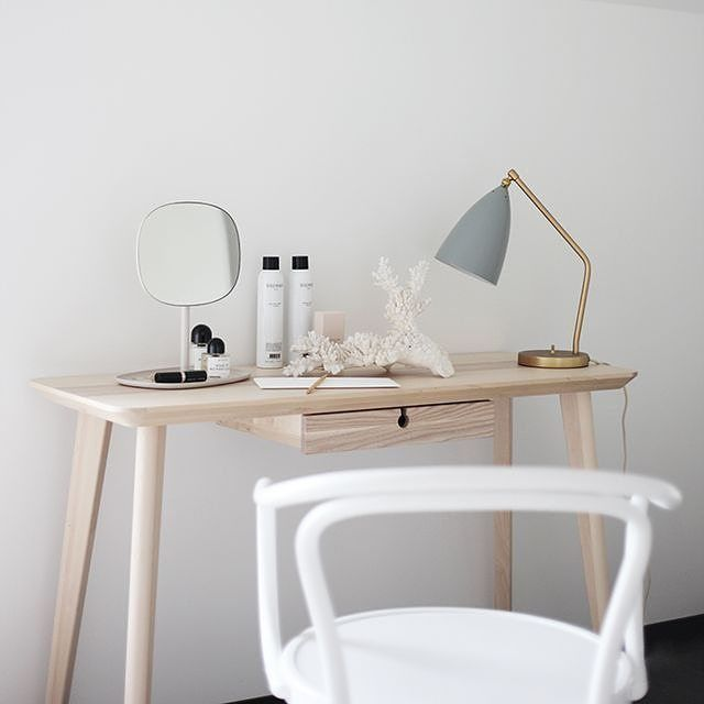 Another look at this beauty styling by Susanna Vento of the Flip Mirror, see more on the blog!
