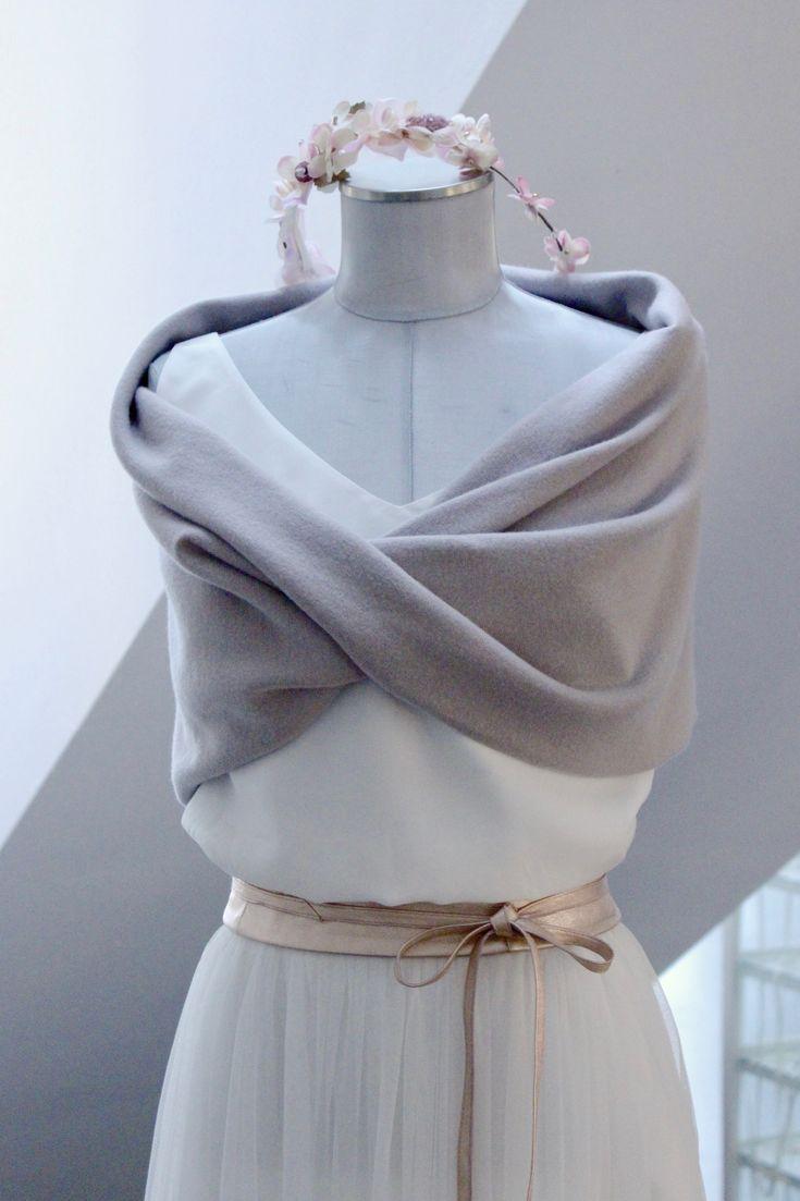 Moderner Braut Schal, Loop und Stola in Pastellviolett fuer Deine Hochzeit im Fruehling, Herbst oder Winter.