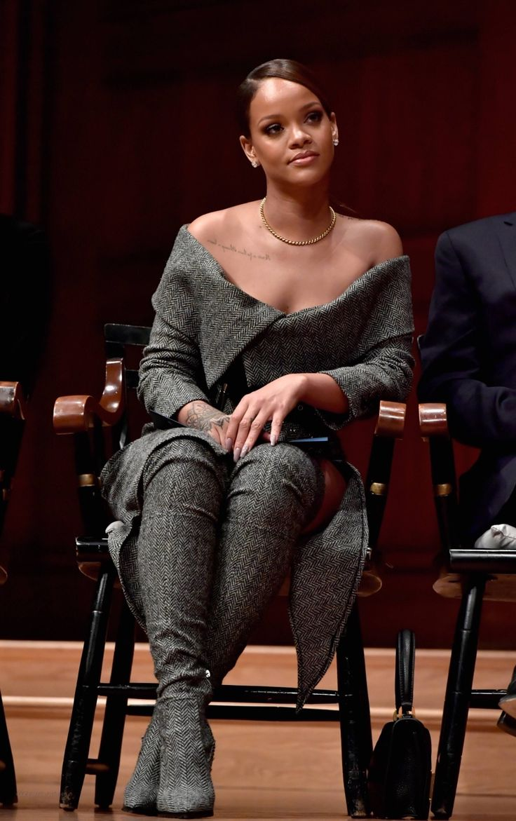 Rihanna ∞ pinterest//@callmetrishh