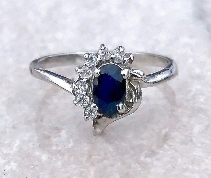 Vintage Sterling Silver Blue Sapphire and Topaz Accent Ladies Ring Size 6.25