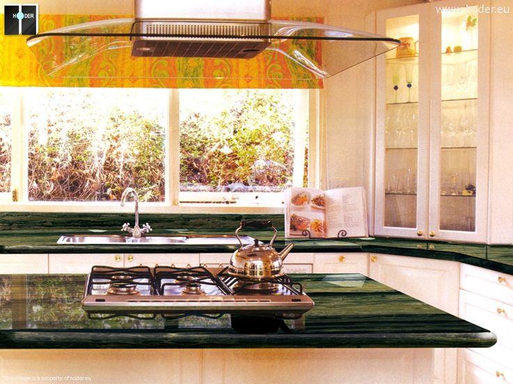 Zielony blat kuchenny z kamienia #kitchen #inspiration