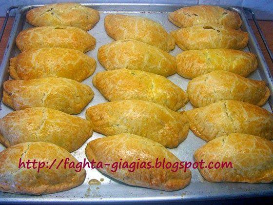 Τα φαγητά της γιαγιάς: Μυζηθροπιτάκια με τραγανό σπιτικό φύλλο (κουρού)