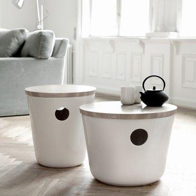 Wau.. Awesome!! Et nyt keramisk møbel fra Kähler. Unit hedder det nye møbel, som kan bruges som stol eller bord, sam være nyttig til opbevaring under bordpladen. Kähler Unit er et multifunktionelt møbel lavet i keramik og kan placeres overalt i hjemmet. Brug det som sofabord, sidebord eller som en skammel.