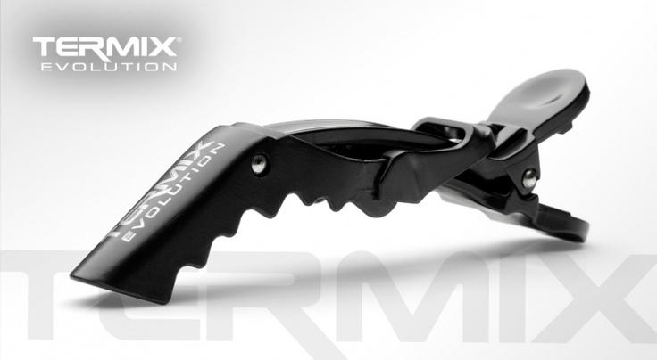 Termix, artículos de peluquerías, os presenta la pinza más ergonomica y funcional del mercado.