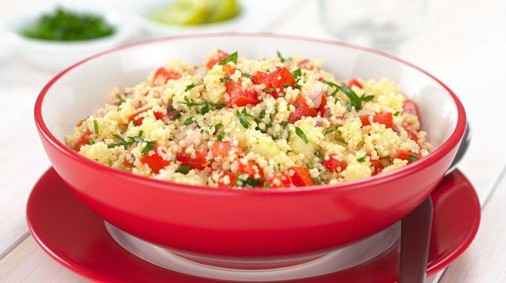 Avis aux amateurs de cuisine méditerranéenne : voici la recette du véritable taboulé, accompagnée d'astuces du chef Cyril Lignac.