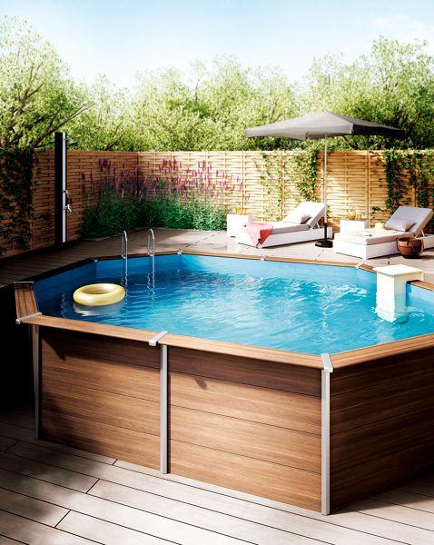 piscina sobre o terreno