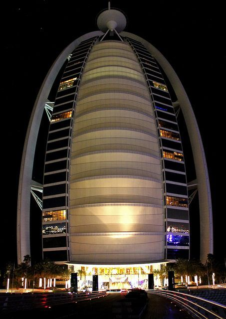 Cayan Tower, an amazingly built twisted tower in Dubai
