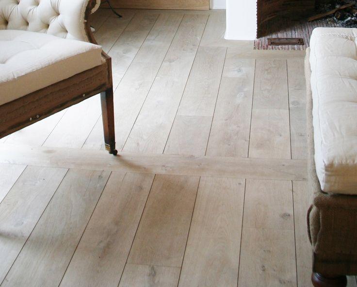 en deze vloer (ik weet niet waar ie vandaan komt!) blijf ik het mooist vinden. Gewoon het pure hout, maar wel met dat sleetse effect. En hoe ie gelegd is vind ik ook te gek!
